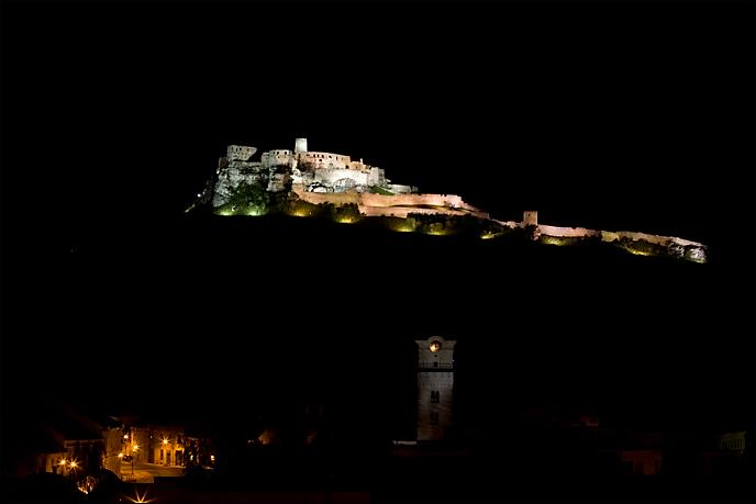 spissky hrad zdjęcie nocą