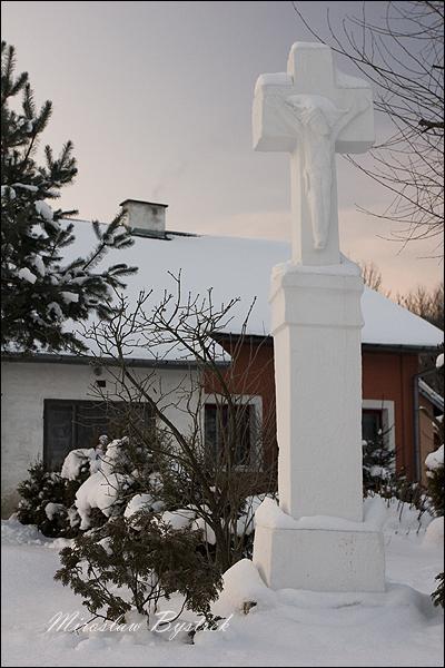 Owczary krzyż przydrożny 2