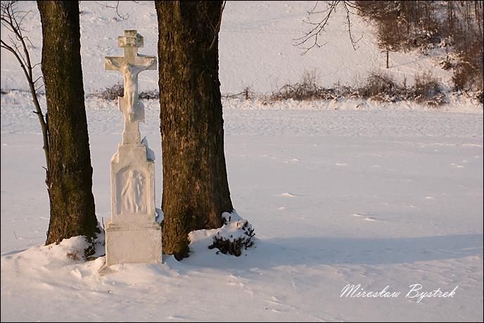 Beskid Niski krzyż przydrożny w owczarach